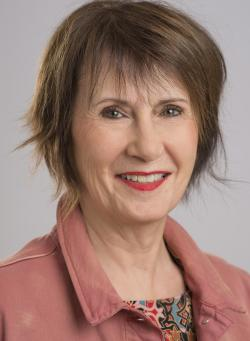 Claudette Aylwin, Courtier immobilier