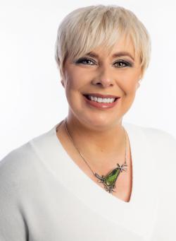 Jenny Côté, Courtier immobilier résidentiel